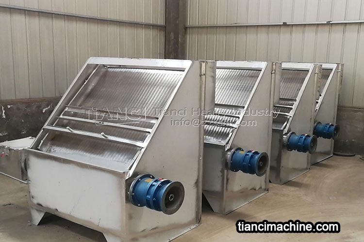 Drying method of materials in organic fertilizer production line